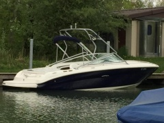 Sea Ray 220 SSE - 5.0 MPI V8 Day Cruiser