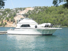Bertram Yacht 37C Flybridge