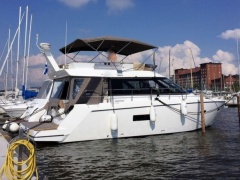 Sealine F 42 Flybridge Yacht