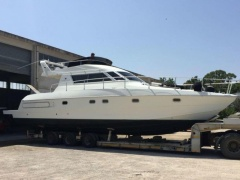 Jeanneau 42 Fly Flybridge Yacht
