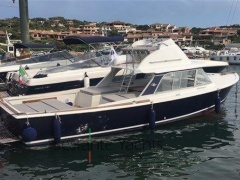 Bertram Yacht 31' Sf