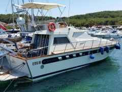 Itama Fly Flybridge Yacht
