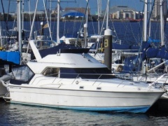 Fairline 36 Sedan Flybridge Yacht