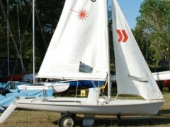 Performance Sailcraft Laser II Regatta Jolle