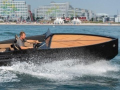 D-Boat Diamond 550 BLACK Motoryacht