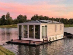 Aquahome Houseboat STE Woonboot