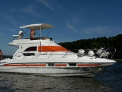 Sealine 330 Flybride Flybridge Yacht