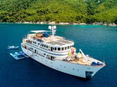 Aegean Yachts Full Displacement Twin Screw Motor Vesse Motoryacht