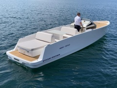 Q-Yachts Q30 Day Cruiser