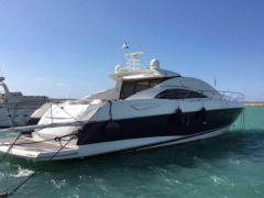 Sunseeker Predator 72 Flybridge Yacht