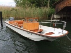 Boston Whaler Nauset Day Cruiser