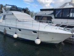 Mochi Craft 42 AC Flybridge Yacht