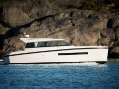 Delta Powerboats 33CE Motor Yacht