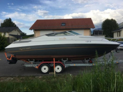 Chris Craft 228 cc Yacht a Motore
