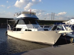 Striker Sport Fisher 37 Flybridge