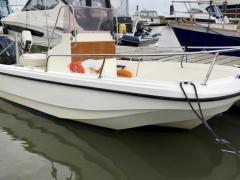 Legend Boats 500 Center console boat