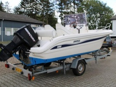 Janmor 580 Open Center console boat