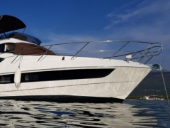 Galeon 380 Fly Yacht a Motore