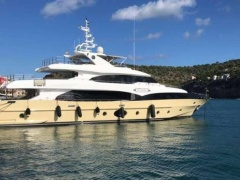 Majesty 125 Motor Yacht