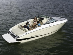 Regal LS4C Cuddy Sport Boat