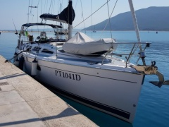 Hunter 36 Sailing Yacht