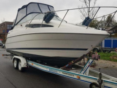 Bayliner 2355 TOP Pilothaus