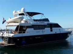 Canados 70 S Yacht a Motore