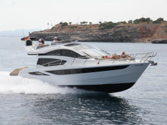 Galeon 430 Skydeck Yacht a Motore