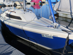 Artekno H-Boot Keelboat