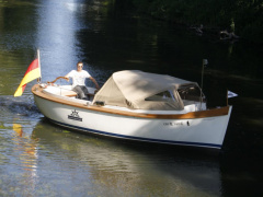 AMS Marine Yachten Hamburger Tuckerboot 675 Tuckerboot
