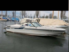 Regal Medaillon 185 Deck Boat