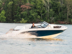 "Sea Ray 190 SPXE mit Trailer ""Lagerboot"" Bowrider-vene"