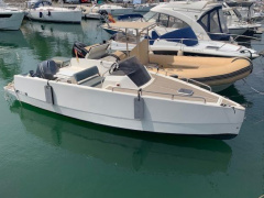 NUVA Yachts M6 cabin Konsolenboot
