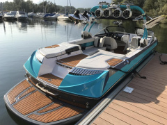 Correct Craft Super Air Nautique G25 Wakeboard/Wakesurf
