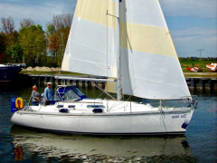 Dufour 32 Classic Sailing Yacht