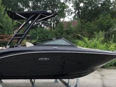 Sea Ray 190 SPX Outboard Black Beauty Sportsbåt