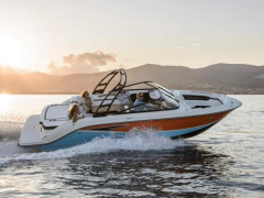 Sea Ray SLX 250 Bowrider