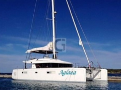 Lagoon 52 Flybridge Catamaran