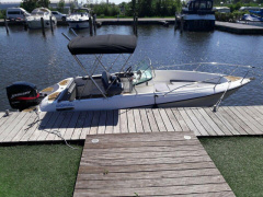 Doral THUNDERCRAFT 220 Center console boat