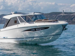 Greenline Neo Coupe Cabin Boat