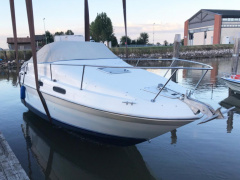 Sea Ray 230 Semicabinato