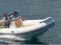 Zodiac Medline 650 Sport Boat