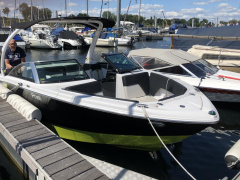 Four Winns H210RS Bowrider