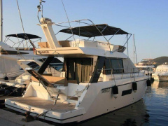 SEALINE F42 Flybridge