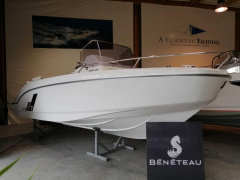 Bénéteau FLYER 7 SPACEDECK Open boot