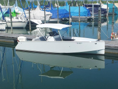 Steiner INDIE 680 Center Console Boat