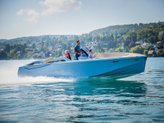 Ganz Boats Ovation 7.6 Open Bowrider