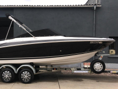 Four Winns H 220 Speedboot