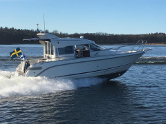 Aquador 28 coupe Pilothouse