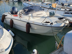 Karnic SL 602 Center Console Boat